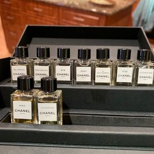 CHANEL Other - Le Exclusifs De Chanel Discovery Set